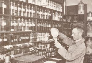 Royal Mail Chemist Dispensary For Staff Postman During 1930s Postcard