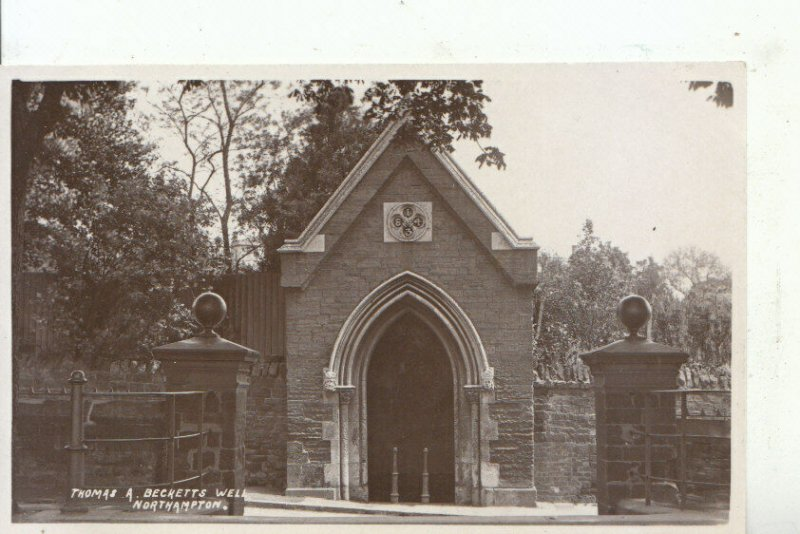 Northamptonshire Postcard - Thomas A Becketts Well - Ref 15781A