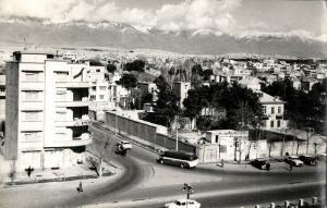 iran, TEHRAN TEHERAN, Ferdowsi Square Shahreza Avenue, Bus Car (1950s) Postcard