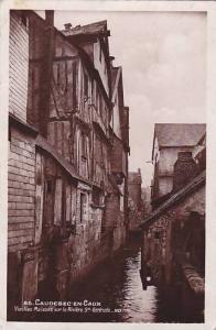 RP; Caudebec-en-Caux, Vielles Maisons sur la Riviere Ste. Gertruide, Seine Ma...