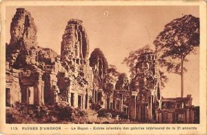 BR57131 Ruines d angkor le bayon entree orientale des galeries int   Cambodia