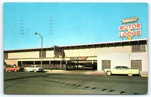 Postcard NV Reno Daniels Motor Lodge 1950's Old Cars  C33