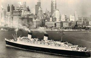 t.s.s. Queen Elizabeth Cunard Steam Ship Company 05.16