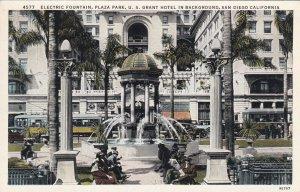 SAN DIEGO, California, 10-30s; Electric Fountain, Plaza Park, U.S. Grant Hotel