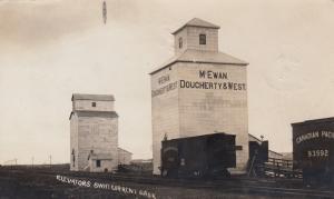 RP: SWIFT CURRENT , Sask., Canada , 1900-10s ; Elevators