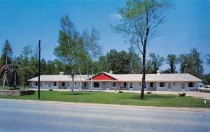 Houghton Lake Michigan~Chalet Motel~1950s Postcard