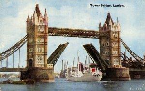 Vintage 1959 London Postcard, Tower Bridge Raised with Ship Passing through 93Z