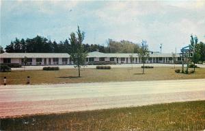 Portage Wisconsin~Fenskes Motel~Wally Andrews Owner~1950s Postcard