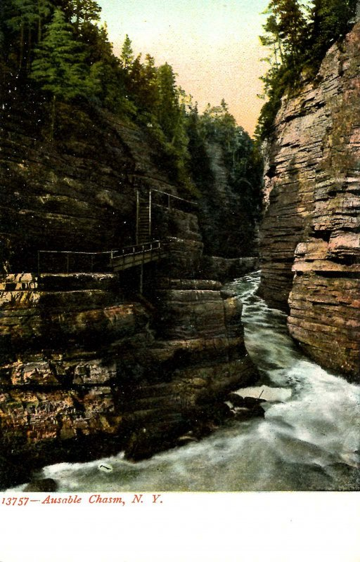 NY - Ausable Chasm. Hell's Gate