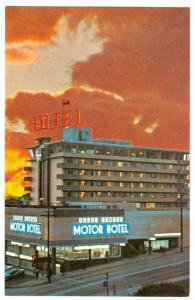 Royal Towers Motor Hotel , NEW MINSTER , B.C. , Canada , 50-60s