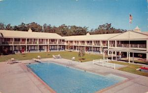 Salinas California~Hyatt House Hotels~North Main~US 101~Pool~1960s Postcard