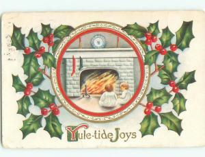 Divided-Back KIDS AT CHRISTMAS SCENE Great Postcard W8350