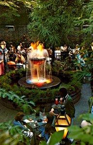 LA - New Orleans. Pat O'Brien's Courtyard