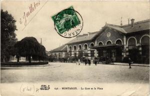 CPA MONTARGIS La Gare et la Place (607642)