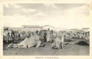 CPA Djibouti Afrique - A travers le Marché (87050)