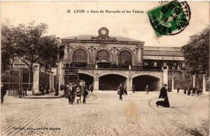 CPA LYON-Gare Perrache et les Voutes (426695)