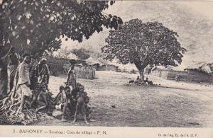 DAHOMEY , Africa , 1910s ; Savalou : Coin de village
