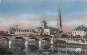 BR17603 St Savin Sur Gartemoe l eglise et le pont neuf   france