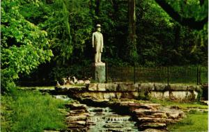 JACK DANIELS STATUE AND SPRING LYNCHBURG TENNESSEE