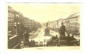 RP: Praha, Czech Republic, 20-30s  Vaclavske namesti