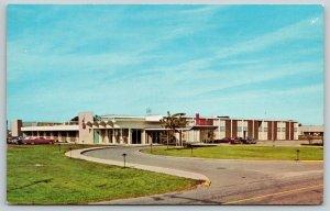 Fort Wayne Indiana~Cloud 9 Lounge~Baer Field Airport Inn~1960s Postcards