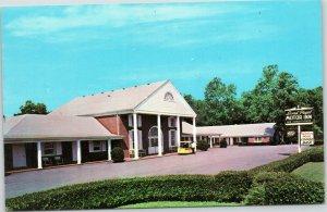 Lord Paget Motor Inn, Williamsburg, Virginia postcard