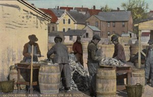 GLOUCESTER , Mass. , 00-10s ; Working on seafood