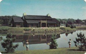 ROCKFORD , Illinois, 50-60s ; YMCA Log Lodge on Rock River