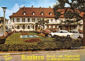 Kandel Stadt im Suedl. Schwarzwald Feuerbach Blumenplatz Auto Cars