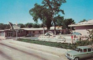 BILOXI , Mississippi, 50-60s ; Flamingo Motel, Swimming Pool