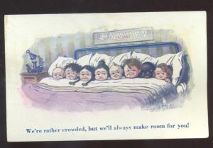 RATHER CROWDED 8 CHILDREN IN BED BLACK AMERICANA BLACK COMIC OLD POSTCARD