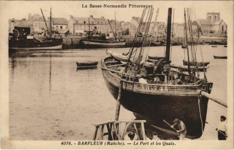 CPA La Basse Normandie Pittoresque BARFLEUR Le port et les Quai (152800)