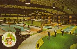 COLLINSVILLE , Illinois, 1975 ; Holiday Inn , Miniature Golf Course