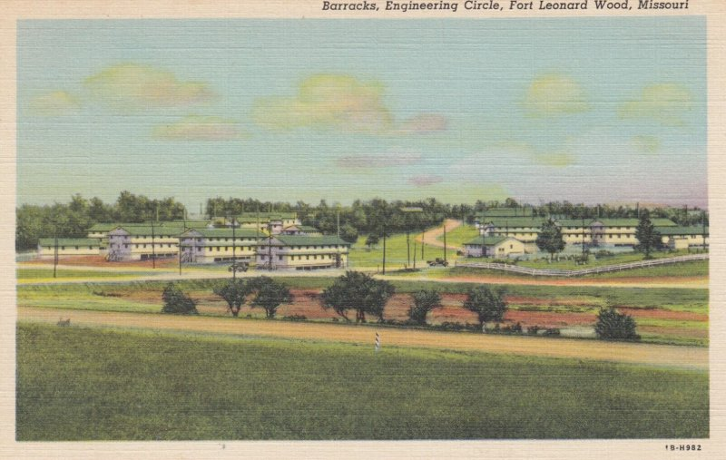 FORT LEONARD WOOD , Missouri , 1930-40s ; Barracks , Engineering Circle