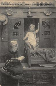 France Autour des Lits Clos Micheline et Suzanne Postcard