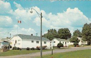 NIPIGON , Ontario , 1950-60s ; Sunnyside Cabins