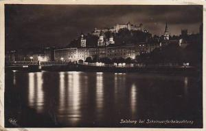 RP; Night View of Salzburg bei Scheinwerferbeleuchfung, Austria, 10-20s