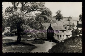 tp1751 - Glouc's - Upper Slaughter Village in the Corswolds, c1950s - postcard