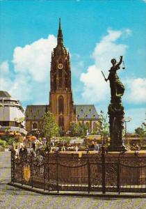 Germany Frankfurt Gerechtigkeitsbrunnen and Blick zum Dom