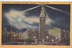 Ohio Cleveland Union Station And Soldiers And Sailors Monument