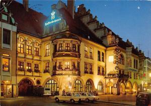 Muenchen Hofbraeuhaus am Platzl Weltberuehmte Bierschwemme Auto Cars