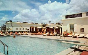 New Orleans Louisiana rooftop pool at the Royal Orleans Hotel vintage pc Z43369