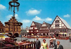 Dortmund Westfalenpark mit festlichem Marktplatz in der alten Stadt Shops