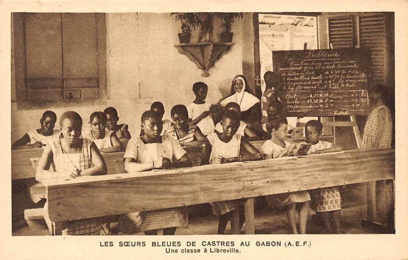 Gabon Les Soeurs Bleues de Castres, Une classe a Libreville