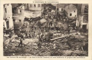 CPA La catastrophe de LYON St-JEAN Rhone (102264)