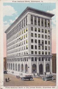 DAVENPORT , Iowa , PU-1930 ; First National Bank , Classic Cars