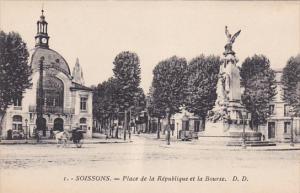 SOISSONS, Place de la Republique et la Bourse, Aisne, France, 00-10s