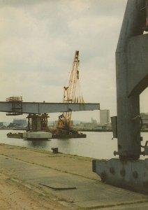 Erecting Docklands Bridge at West India Docks 1985 Postcard