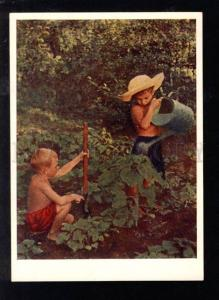 028375 RUSSIA Boys as Gardeners Old Photo Color PC