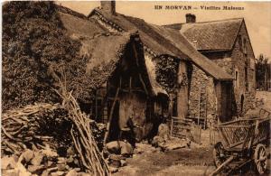 CPA   En Morvan - Vieilles Maisons   (518171)